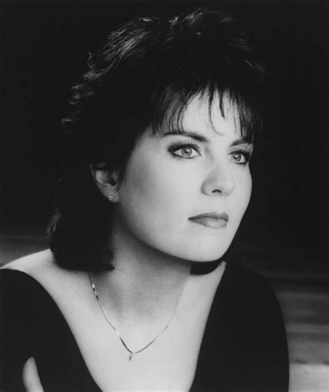 Holly Dunn Radio: Listen to Free Music & Get The Latest