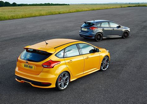 FORD Focus ST 5 Doors specs & photos - 2014, 2015, 2016