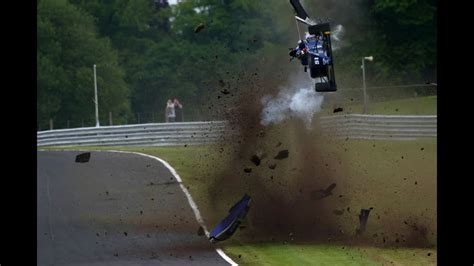 *Onboard* Massive airborne crash for Vaidyanathan at