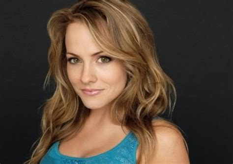 Kelly Stables | height and weights