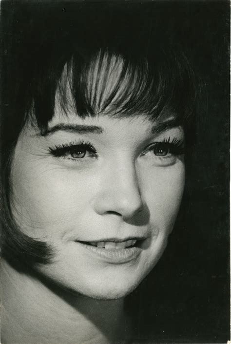Portrait of Shirley MacLaine | Robert Willoughby, Shirley
