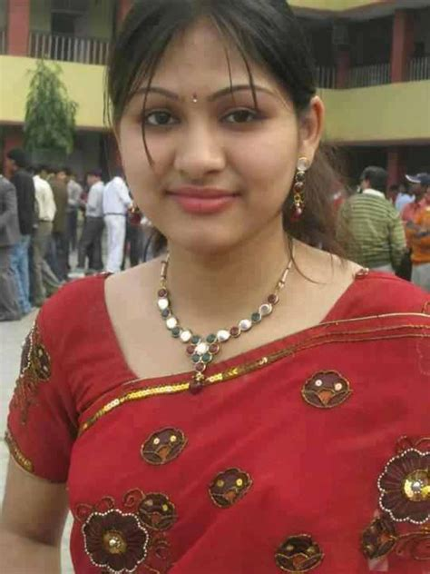 HOT: Hot Indian Girls In Saree Pictures