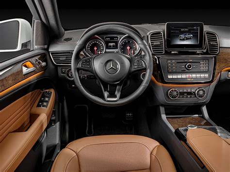 MERCEDES BENZ GLE Coupe (C292) specs & photos - 2015, 2016