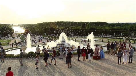 Musical Fountains Show - Gardens of Versailles - YouTube