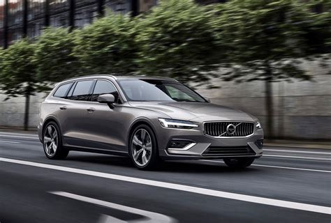 2019 Volvo V60 getting cool plaid textile interior trim